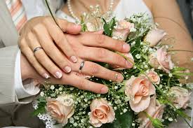 hands on bouquet